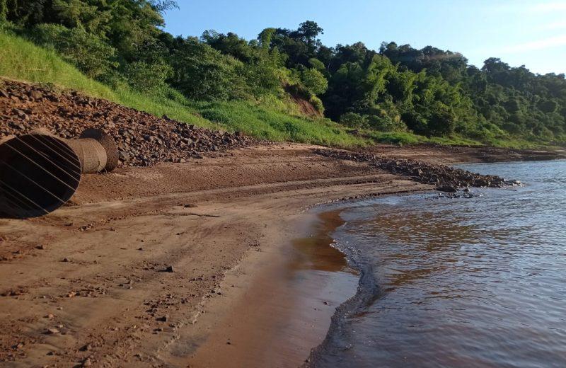 Nuevamente bajo el río Iguazú y solicitan cuidar el agua potable