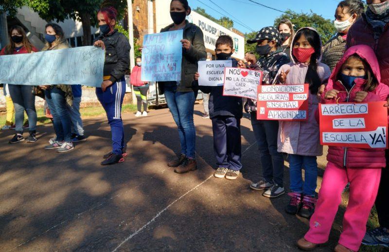 Padres de los alumnos de la escuela N°164 exigen obras de refacción integral para el predio