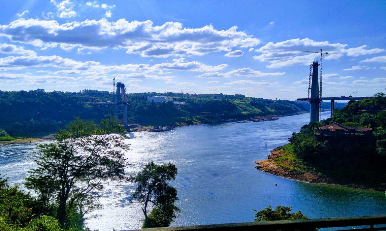 Itaipú aplica maniobras para garantizar la navegabilidad del rio Paraná