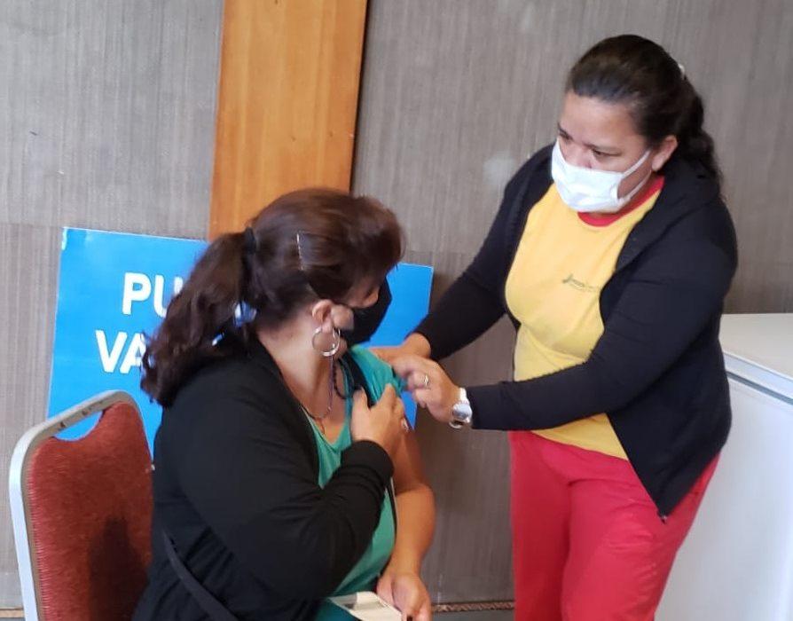 Cronograma de vacunación anti covid-19 en el Centro de Convenciones de este miércoles