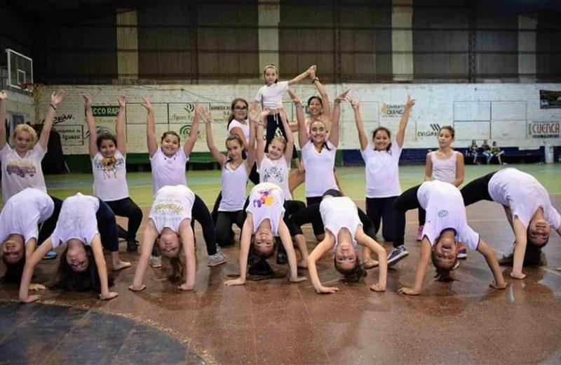 Clases de aerodance y cheerleading son furor en Iguazú