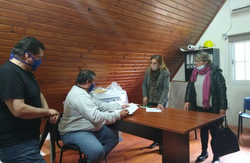 Tras el desplante de los concejales, representantes del comité de crisis y movimientos sociales se reunieron con IMAS