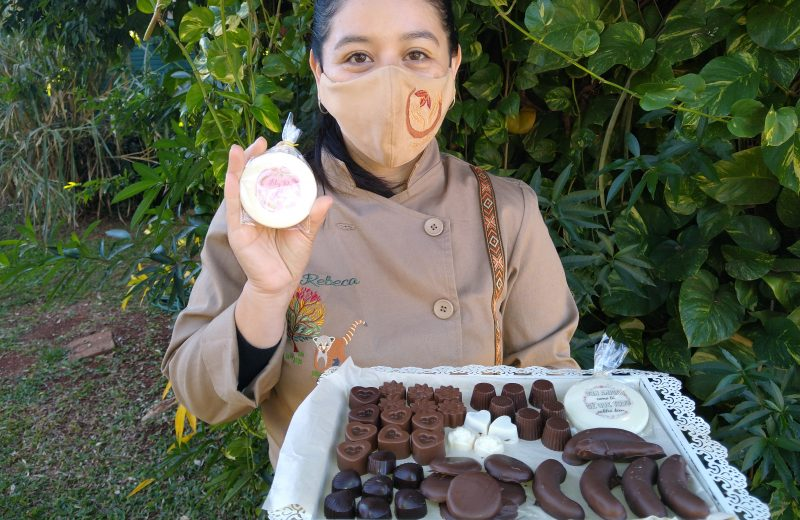Sobreviven a la pandemia gracias al Bendito Chocolate