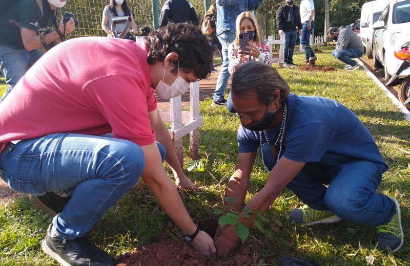 Plantaron árboles en cercanías al ITEC