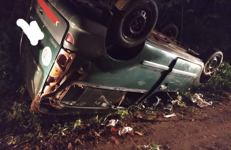 Dos heridos leves tras el vuelco de un utilitario en la ruta N° 101