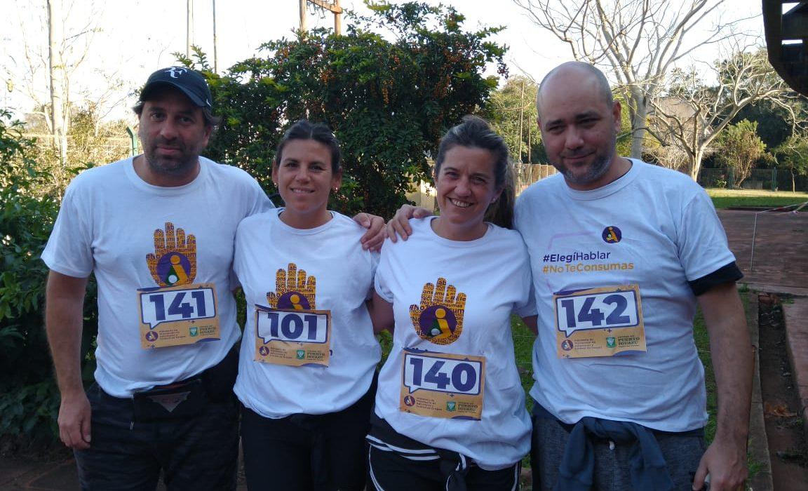 """La carrera """"Maratón por la vida"""" contó con la participación de turistas que visitan Iguazú"""