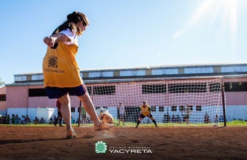 """Se disputó en Puerto Esperanza la copa """"Mujeres Históricas"""" de fútbol femenino"""