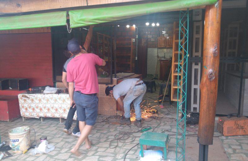 Apresuran los preparativos en los negocios de Puerto Iguazú
