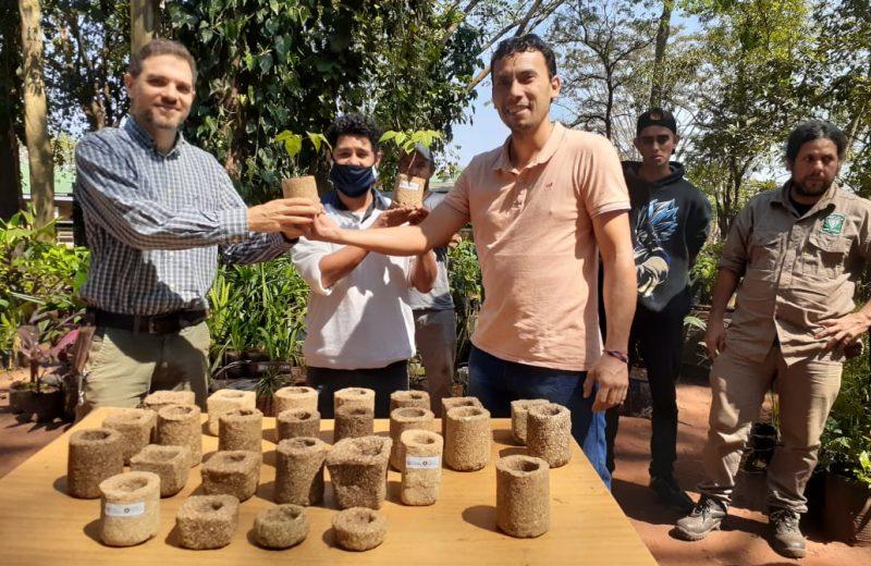 Entregaron planteras hechas de yerba mate al Vivero Municipal de Iguazú