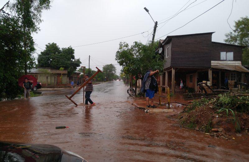 Iguazú: Desbordó el arroyo tacuara y evacuan el Parque Nacional Iguazú