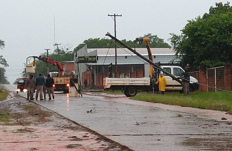 Bomberos acudieron a más de 20 llamados por el temporal