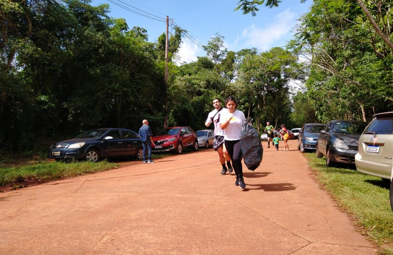 Corredores reunieron 50 de kilos de basura